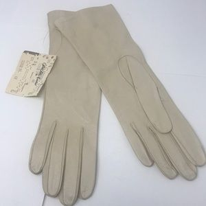 Grandmas Saks 5th ave sz 6 1/2 kidskin gloves
